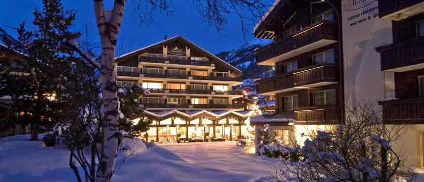 Switzerland_Zermatt_Hotel-Mirabeau_Exterior-winter-night.jpg